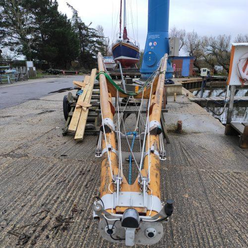 Boleh's unique quadruped mast